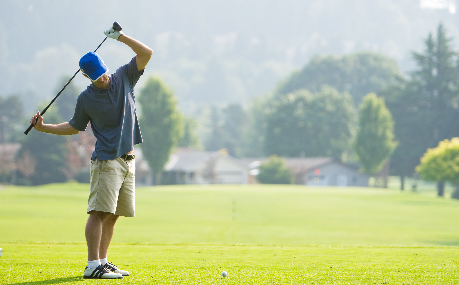 Golfer_Stretching_-_Shutterstock